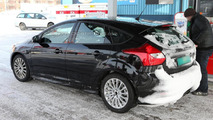 2015 Ford Focus RS mule spy photo  / Automedia