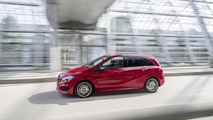 Mercedes-Benz brings lightly facelifted B-Class to Paris