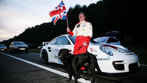 Blind driver in Porsche 911 sets 186 mph land speed record