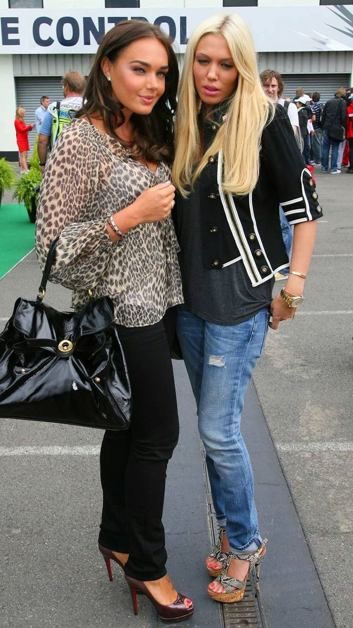Tamara and Petra Ecclestone (GBR), Daughters of Bernie Eccelestone, British Grand Prix, Sunday, 21.06.2009 Silverstone, England