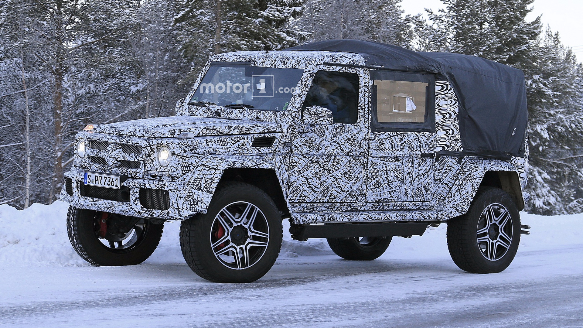 Nowy Mercedes Sprinter 2018 >> 2018 Mercedes G-Class 4x4² spied as double cab pickup?
