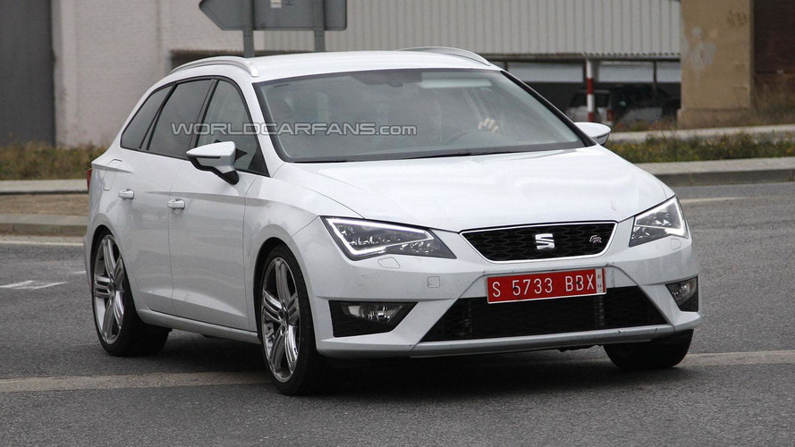 SEAT Leon ST Cupra spied showing its sporty ambitions