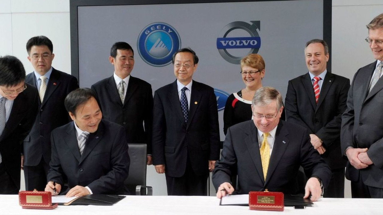 Signing of the Stock Purchase Agreement, March 28 2010 Mr. Li Shufu, chairman Zhejiang Geely Holding Group Company Ltd and Lewis Booth, CFO Ford