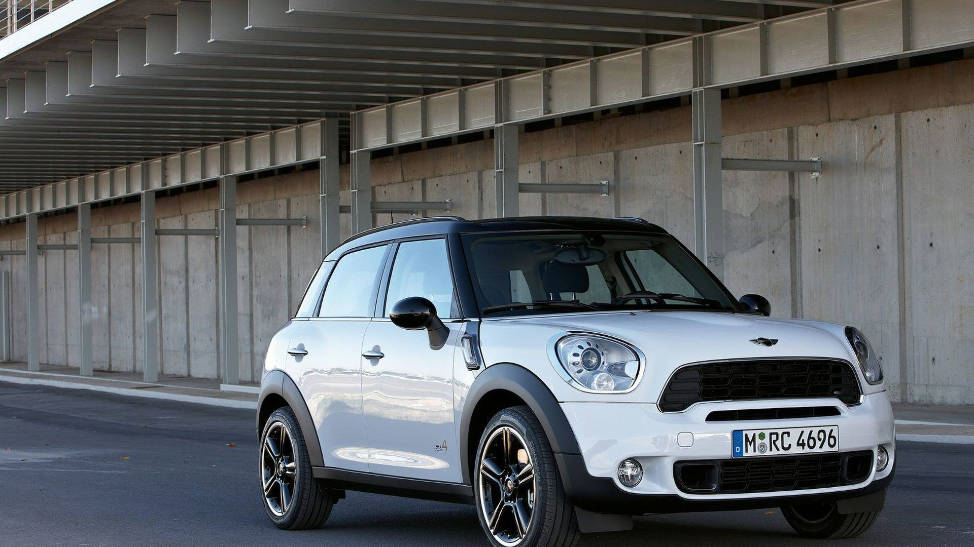 2011 MINI Countryman Official Details and Photos Released