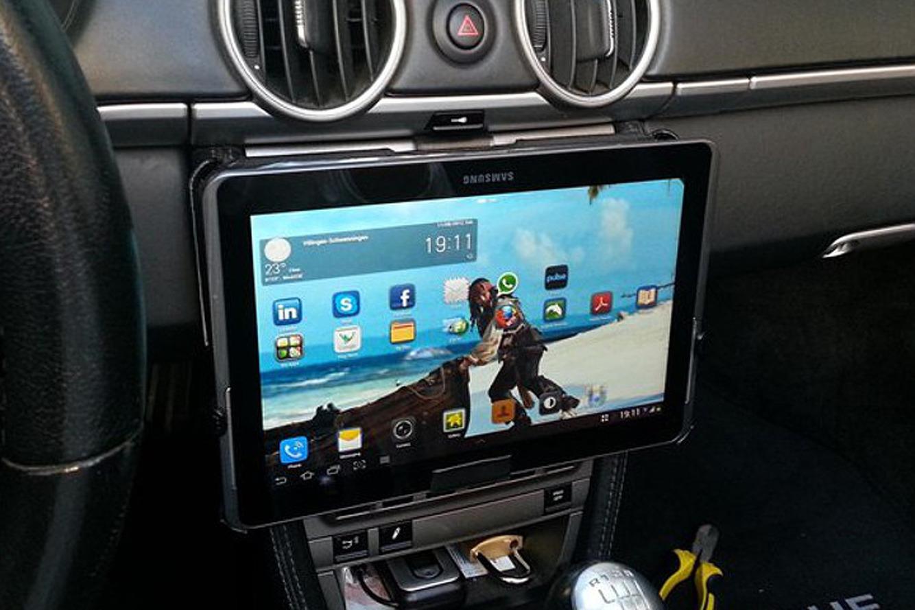 Подставки для планшета в машину своими руками