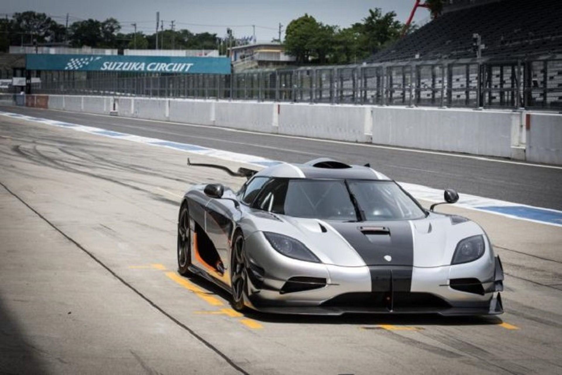 Watch the Koenigsegg One:1 Set a New Track Record at Suzuka