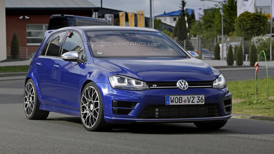 2016 Volkswagen Golf R420 spied up close and personal