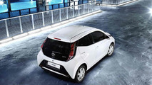 2014 Toyota Aygo officially revealed in Geneva with premium design
