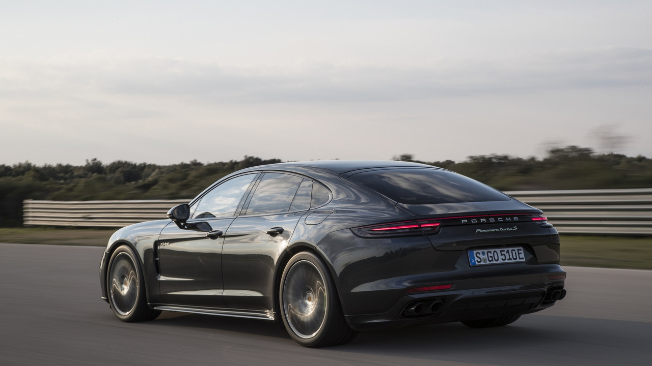 2018 porsche panamera turbo s e hybrid unleashes 680 hp. Black Bedroom Furniture Sets. Home Design Ideas