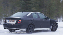New Mercedes C-Class Spied with Less Camo