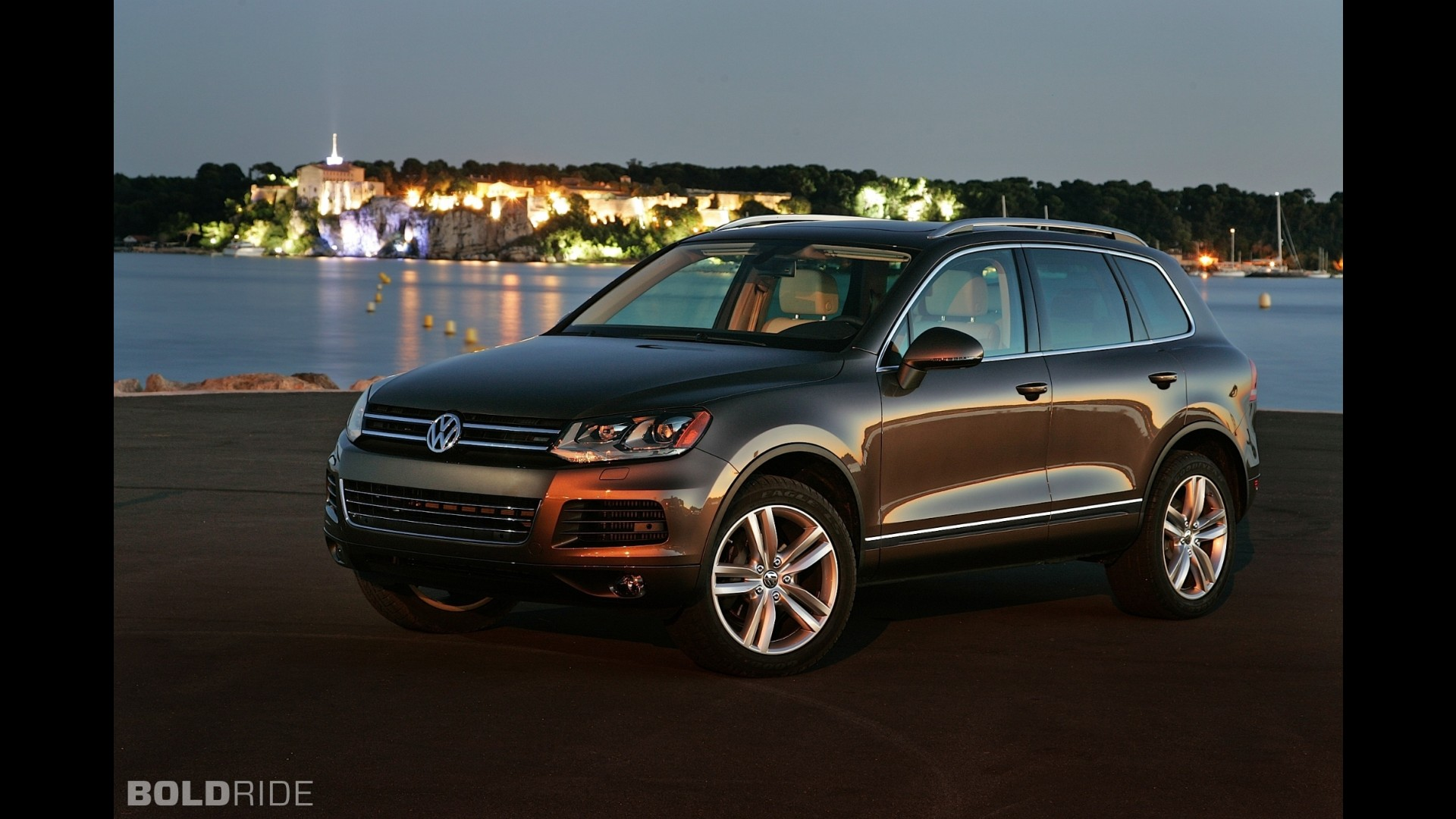 volkswagen touareg v6 tdi clean diesel sport. Black Bedroom Furniture Sets. Home Design Ideas