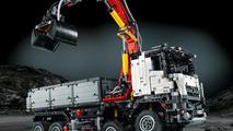 Lego introduces their Mercedes Arocs 3245