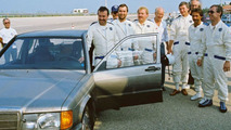 MB 190E 2.3-16V on high-speed track at Nardo