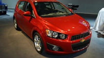 Chevy Sonic likes to skydive and bungee jump [videos]