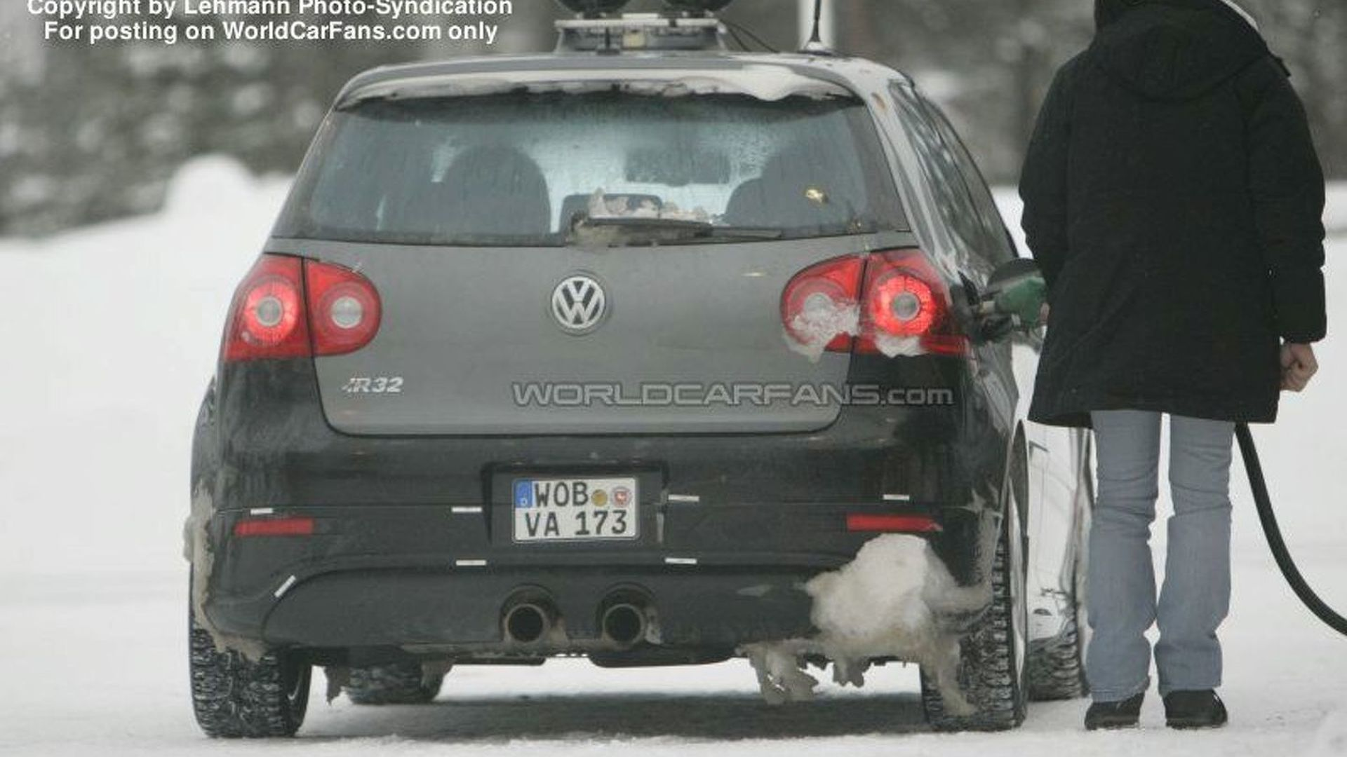 SPY PHOTOS: VW Golf R36