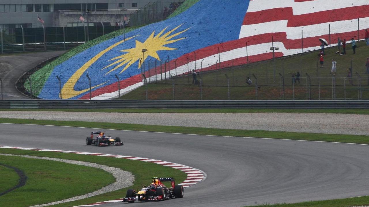 Mark Webber (AUS) leads team mate Sebastian Vettel (GER), 24.03.2013, Malaysian Grand Prix, Sepang / XPB