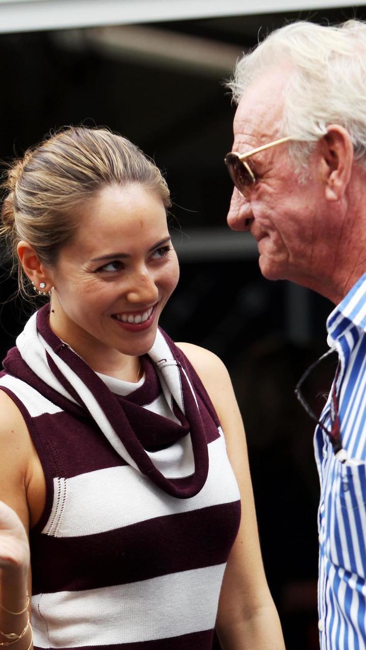 Jessica Michibata girlfriend of Jenson Button with John Button 16.11.2013 United States Grand Prix