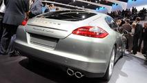 Porsche Panamera S Hybrid debuts in Geneva