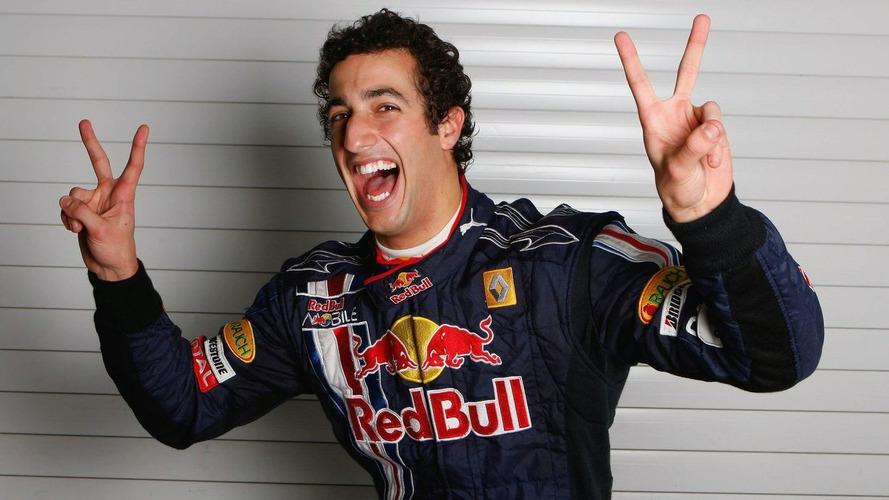 Red Bull confirm Ricciardo to replace Webber