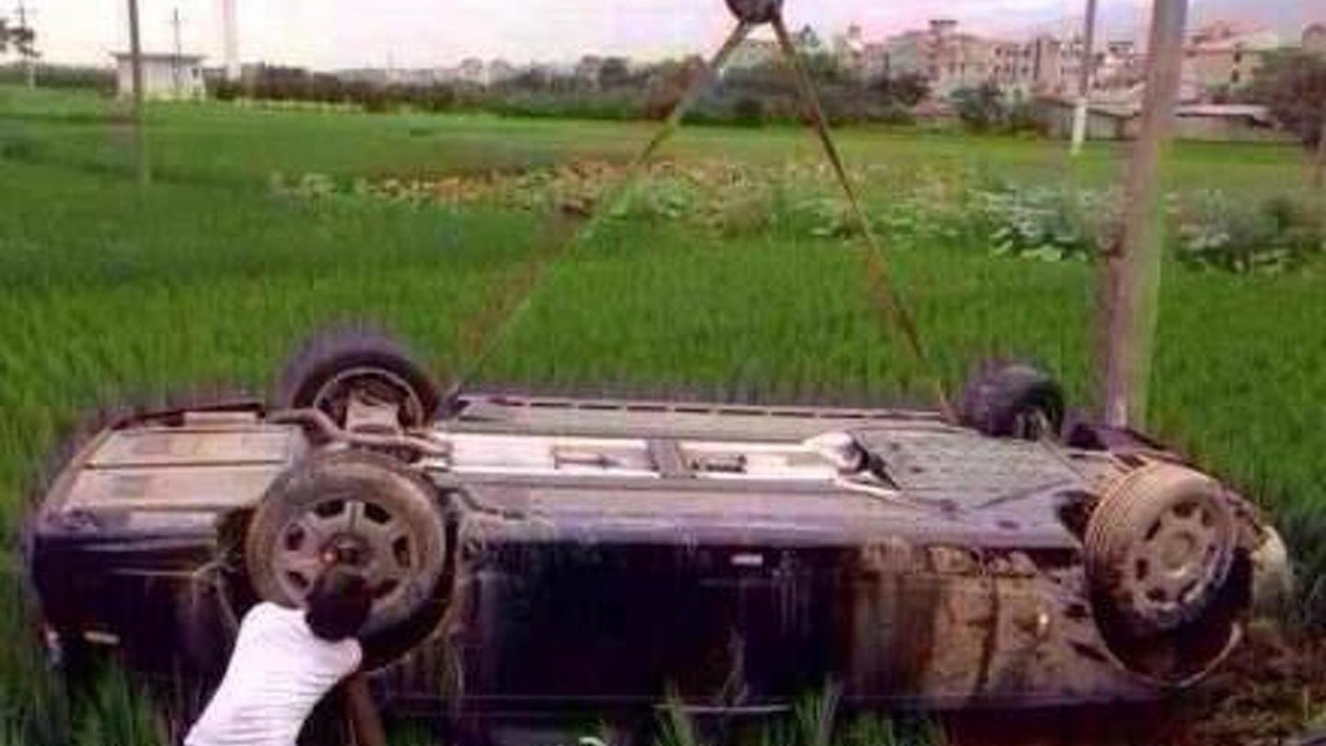 Rolls-Royce Phantom rolls onto field in China