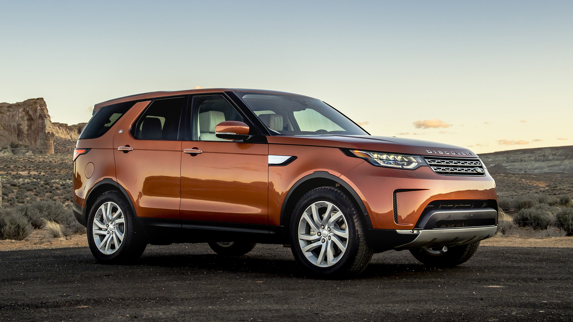 2017 Land Rover Discovery First Drive: Rounded but still ...