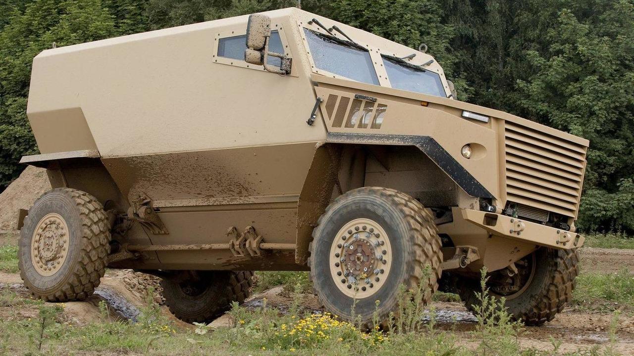 2012-320077-foxhound-armoured-vehicle-21