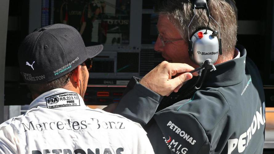 Brawn exit won't 'derail' Mercedes - Hamilton