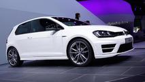 Volkswagen Golf R roars into Frankfurt