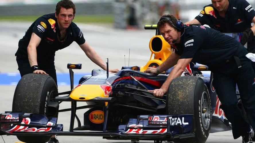 Engine problem for Webber in second practice