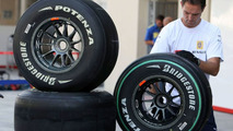 Bridgestone - no comment on Michelin, tyre war rumours