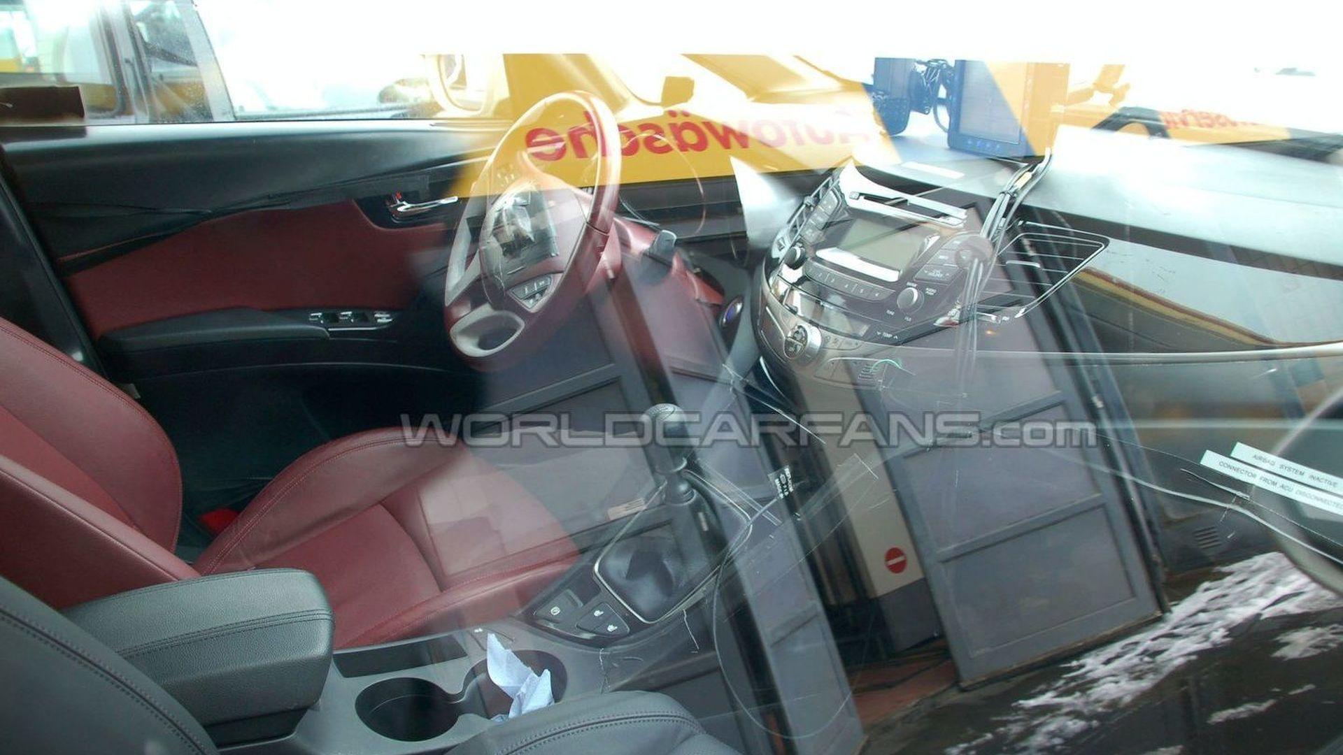 Hyundai HED-5 I-Mode Crossover First Interior Spy Photos