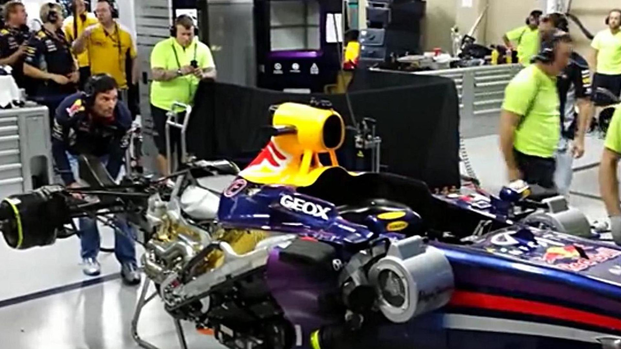 Mark Webber fires up Red Bull RB9 for last time 24.11.2013