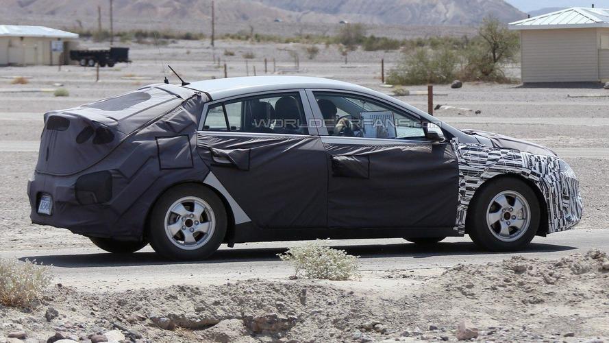 Hyundai's Toyota Prius competitor spied in the U.S.