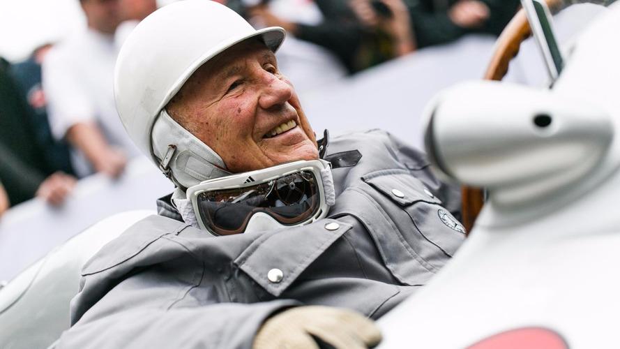Stirling Moss récupère à l'hôpital après une infection pulmonaire