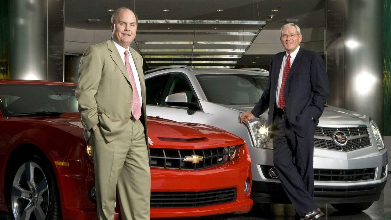 Fritz Henderson and Edward E. Whitacre, Jr. at GM World HQ