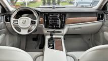 2017 Volvo V90