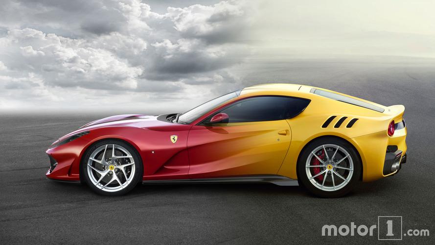 PHOTOS - Comparez La Ferrari 812 Superfast et la F12tdf !