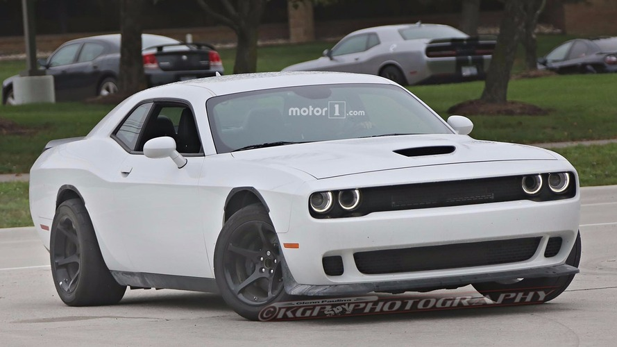 Photos espion - Des prototypes de Dodge Challenger ADR surpris en cours d'essais