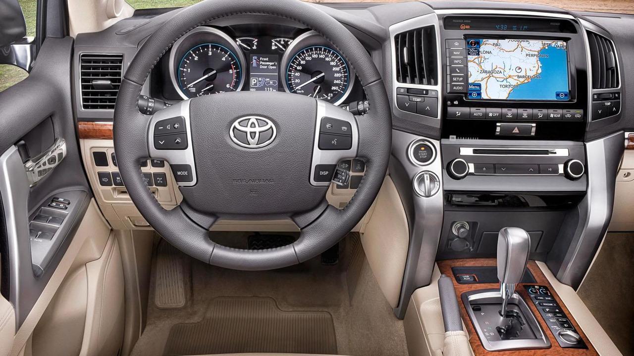 2013 Toyota Land Cruiser (US / Euro-spec) - 06.1.2012