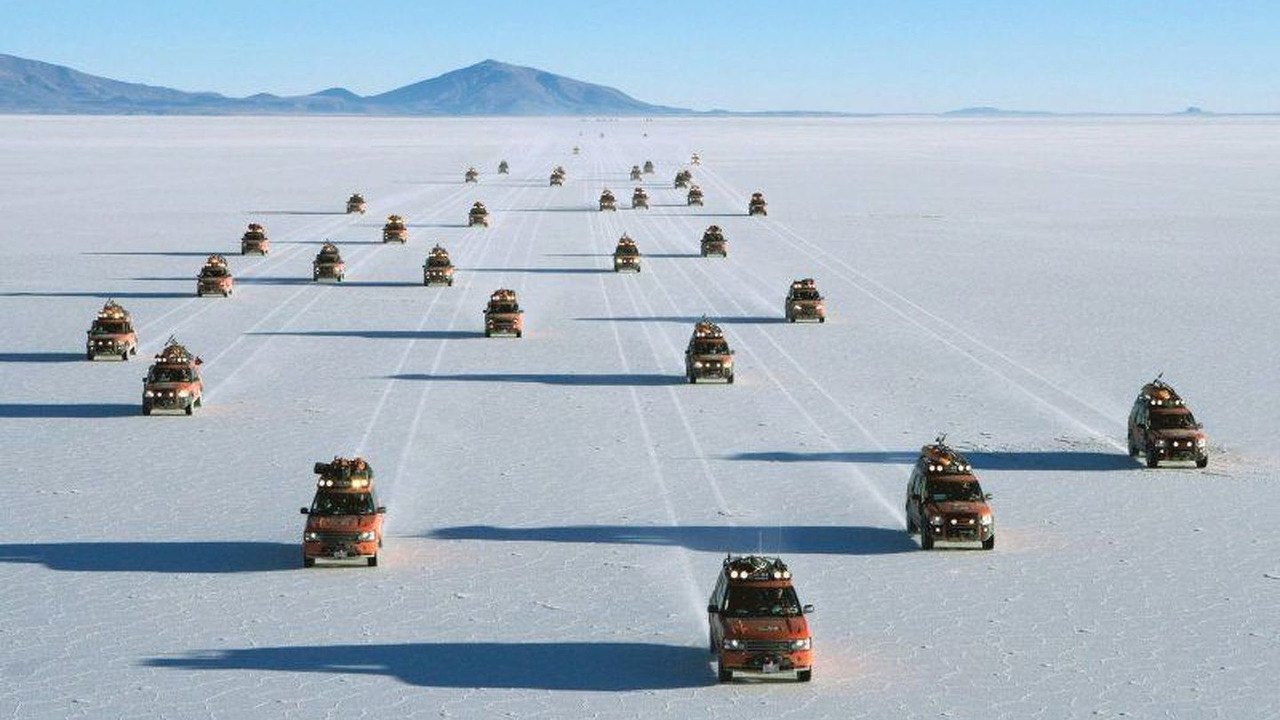 G4 Challenge convoy on Bolivian Salt Lakes