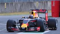 f1-red-bull-racing-mugello-pirelli-testing-2016-sebastien-buemi-red-bull-racing-testing-th