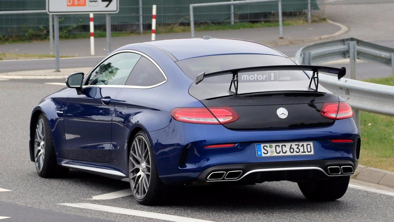 mercedes amg c63 r coupe spied at the 39 ring. Black Bedroom Furniture Sets. Home Design Ideas
