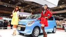 Suzuki Alto Concept Posing in Tokyo