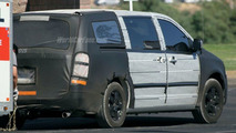 More Chrysler Voyager Spy Photos