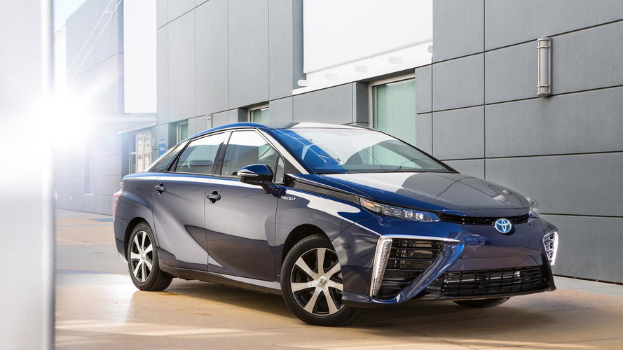 Toyota to offer royalty free use of 5,680 fuel cell patents