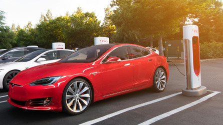 Tesla selling more cars than it can service