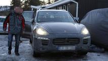 2015 Porsche Cayenne facelift spy photo