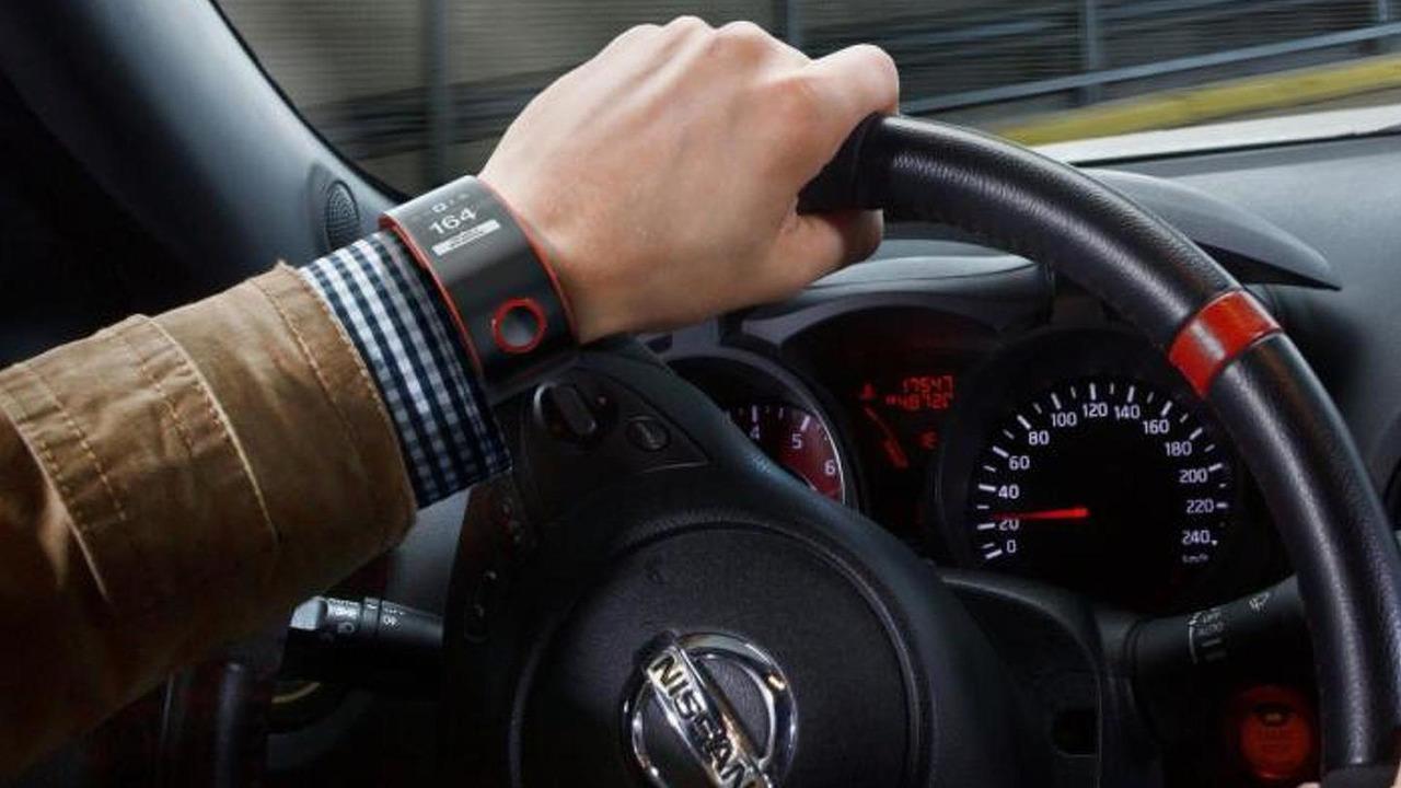 Nissan Nismo smartwatch concept 10.09.2013