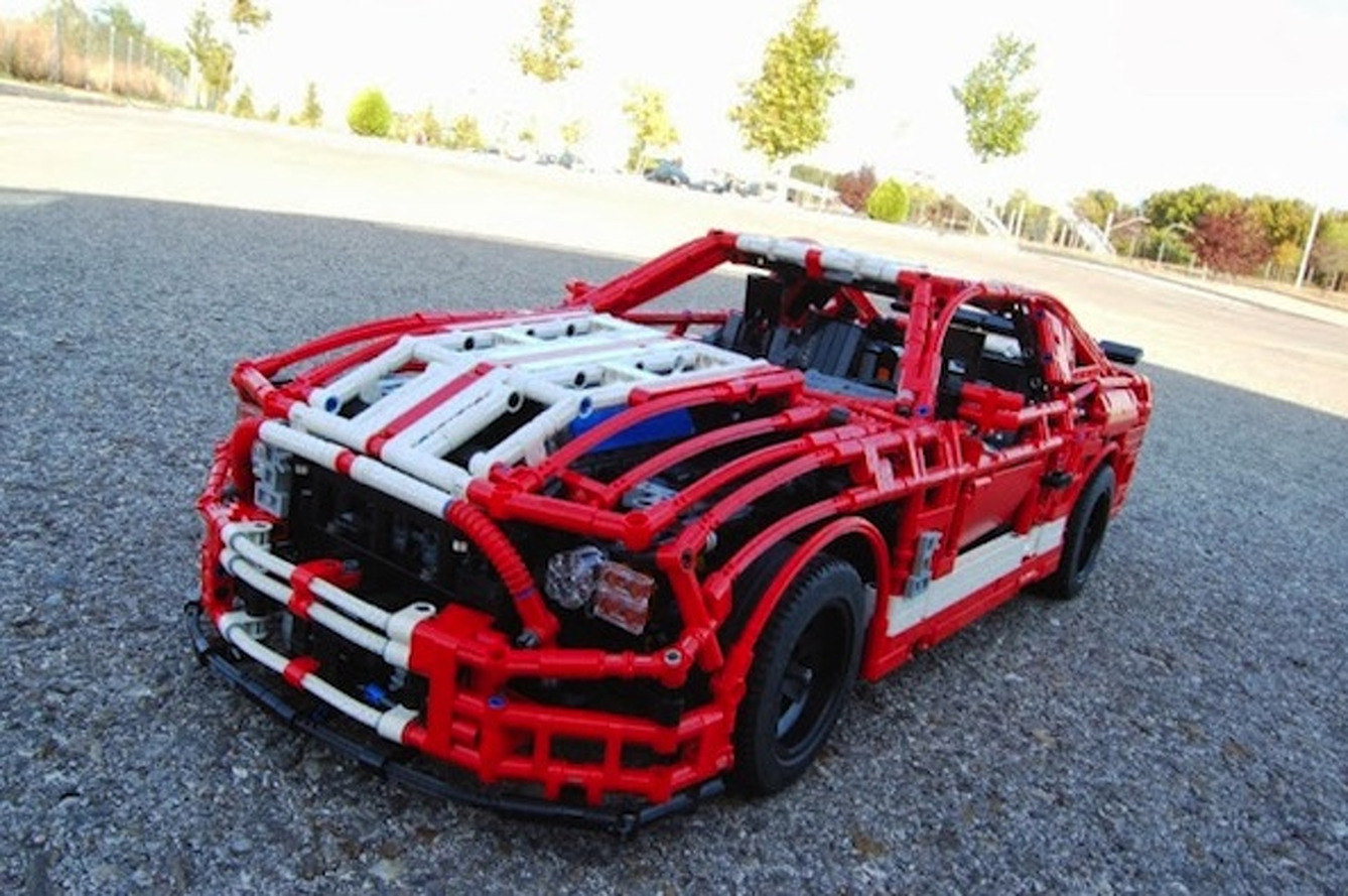 This 3,500-Piece LEGO Shelby GT500 Actually Drives [w/video]