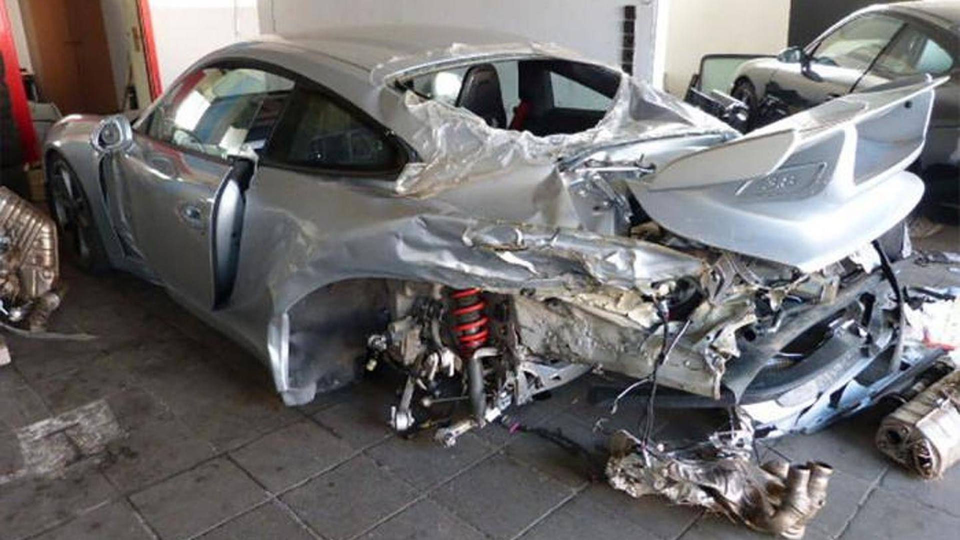 Barely driven yet heavily crashed Porsche 991 GT3 costs €49,900